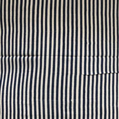 Almohadón Navy blue y off-white