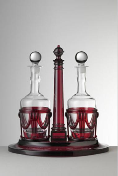 Susy Vinagrera con botellas Roja